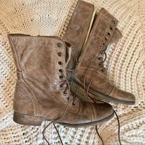 Steve Madden Troopa in Stone Leather